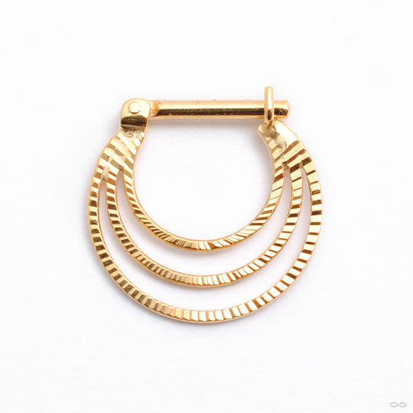 Brilliant Soul Hinged Ring in Gold from Quetzalli in yellow gold