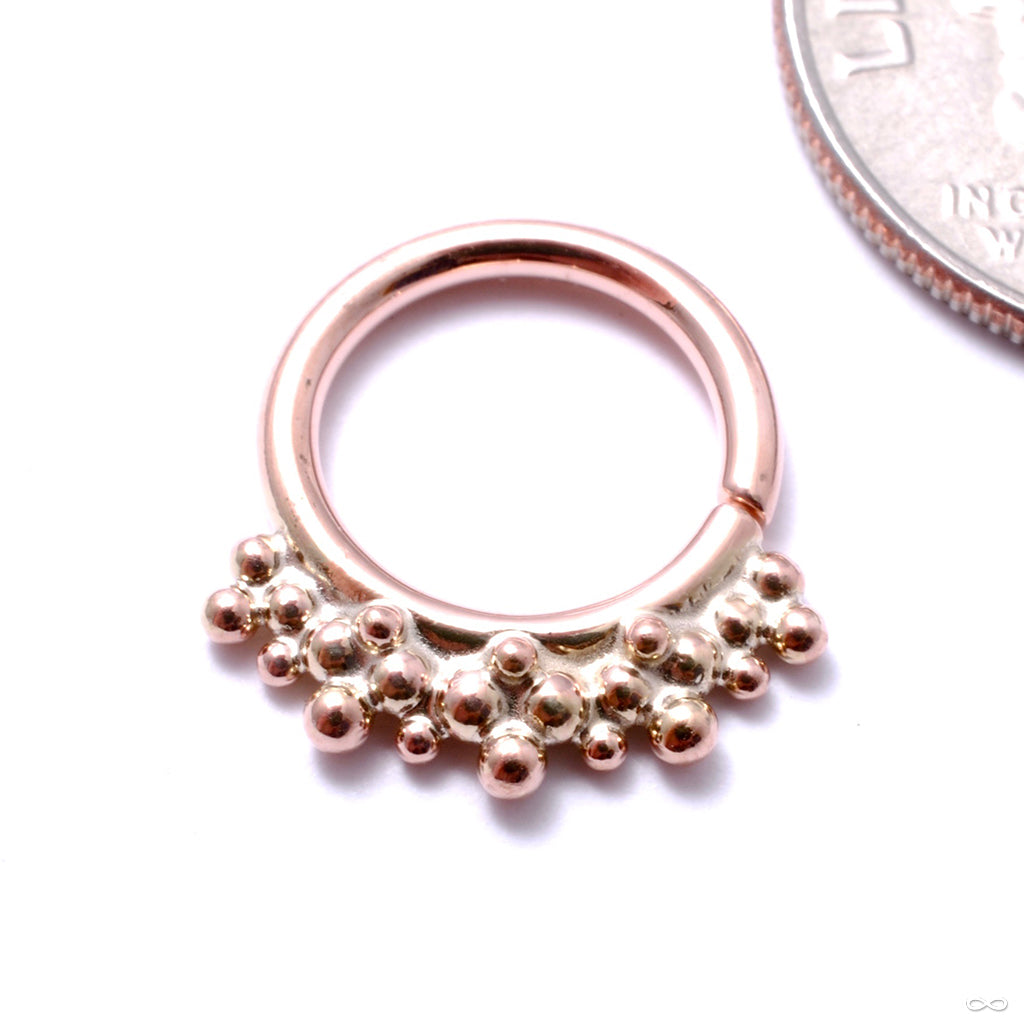 Crowned Seam Ring in Gold from Scylla in rose gold