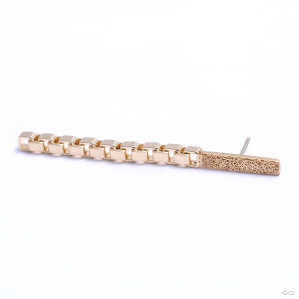Long Liz Bar Press-fit End with Chain in Gold from Quetzalli in yellow gold