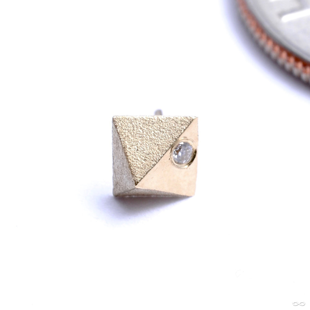Prism with Stone Press-fit End in Gold from Pupil Hall with diamond