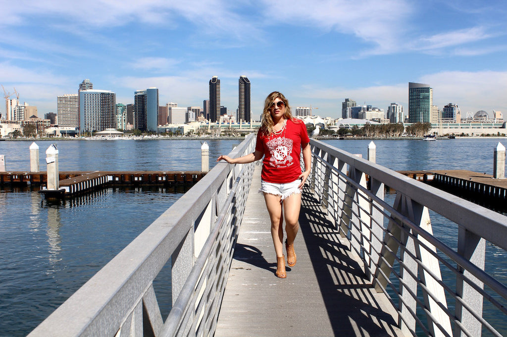 red v neck t shirt | queen bee fashion blog