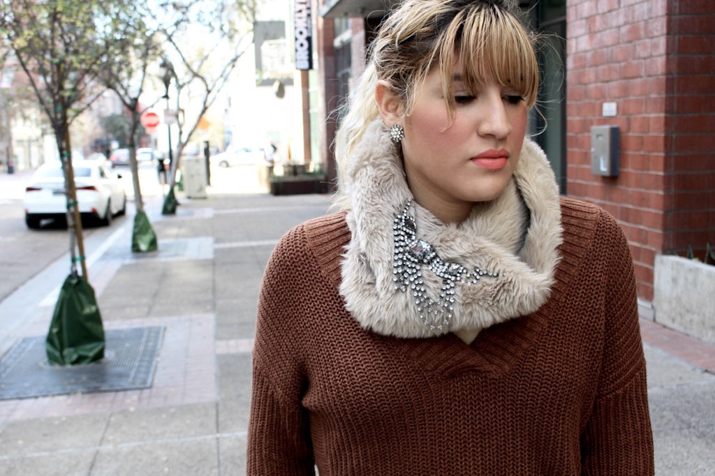 faux fur scarf outfit