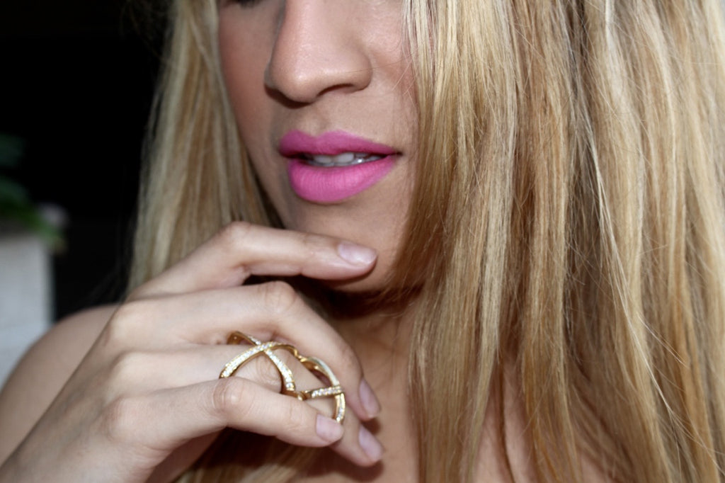x ring | knuckle ring | pink lipsticks