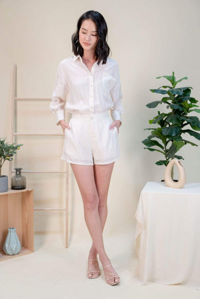 AWE Bottoms CHER DROP-SHOULDER SLOUCKY SHIRT IN CREAM