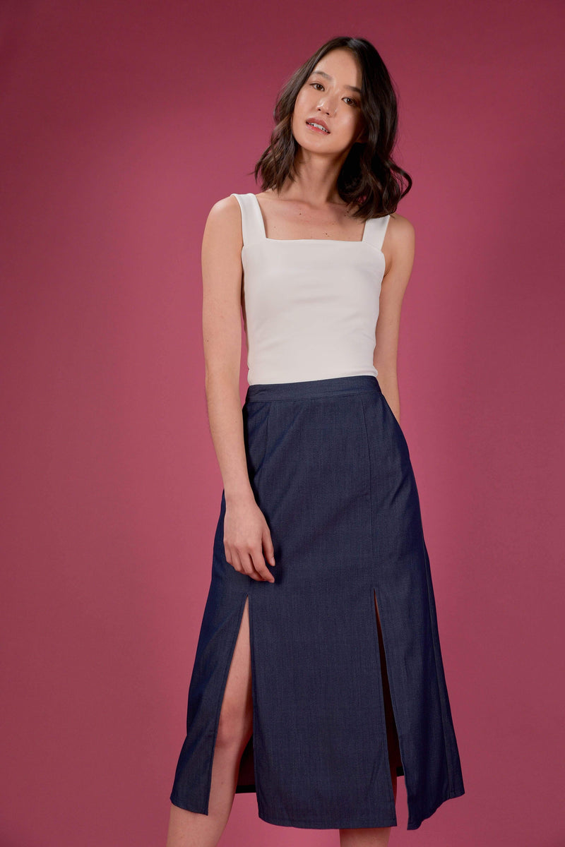 AWE Bottoms EVERYDAY SLIT MIDI SKIRT IN DARK DENIM