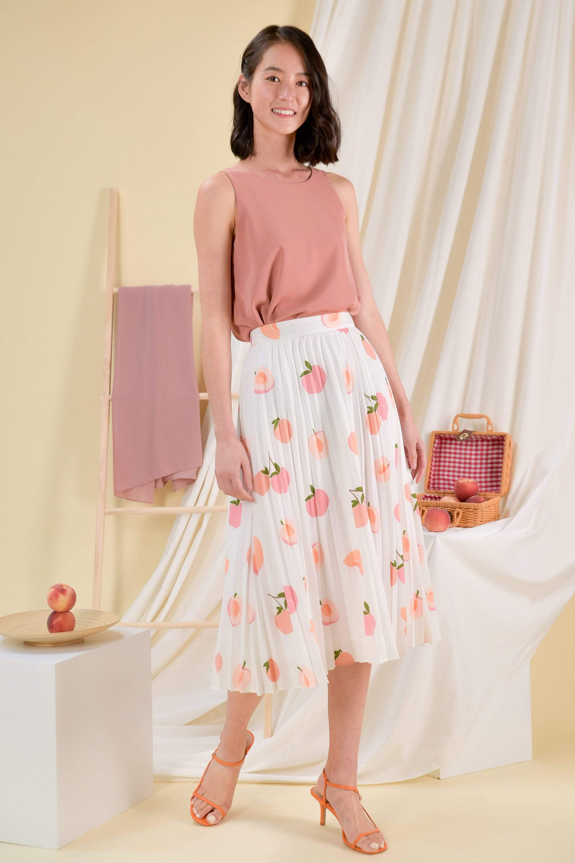 PEACHES PLEAT SKIRT