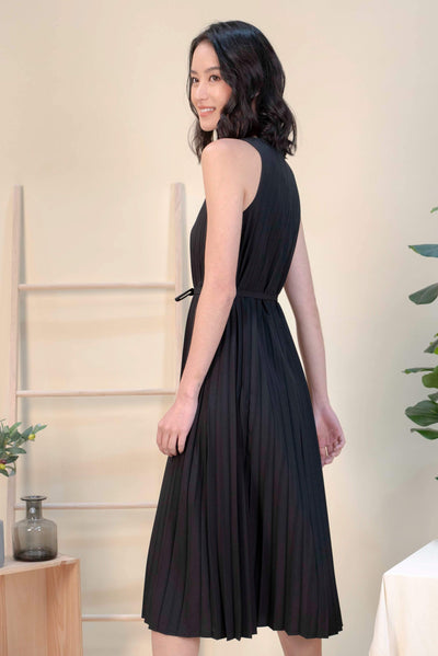AWE Dresses ALEXIA PLEAT MIDI DRESS IN BLACK