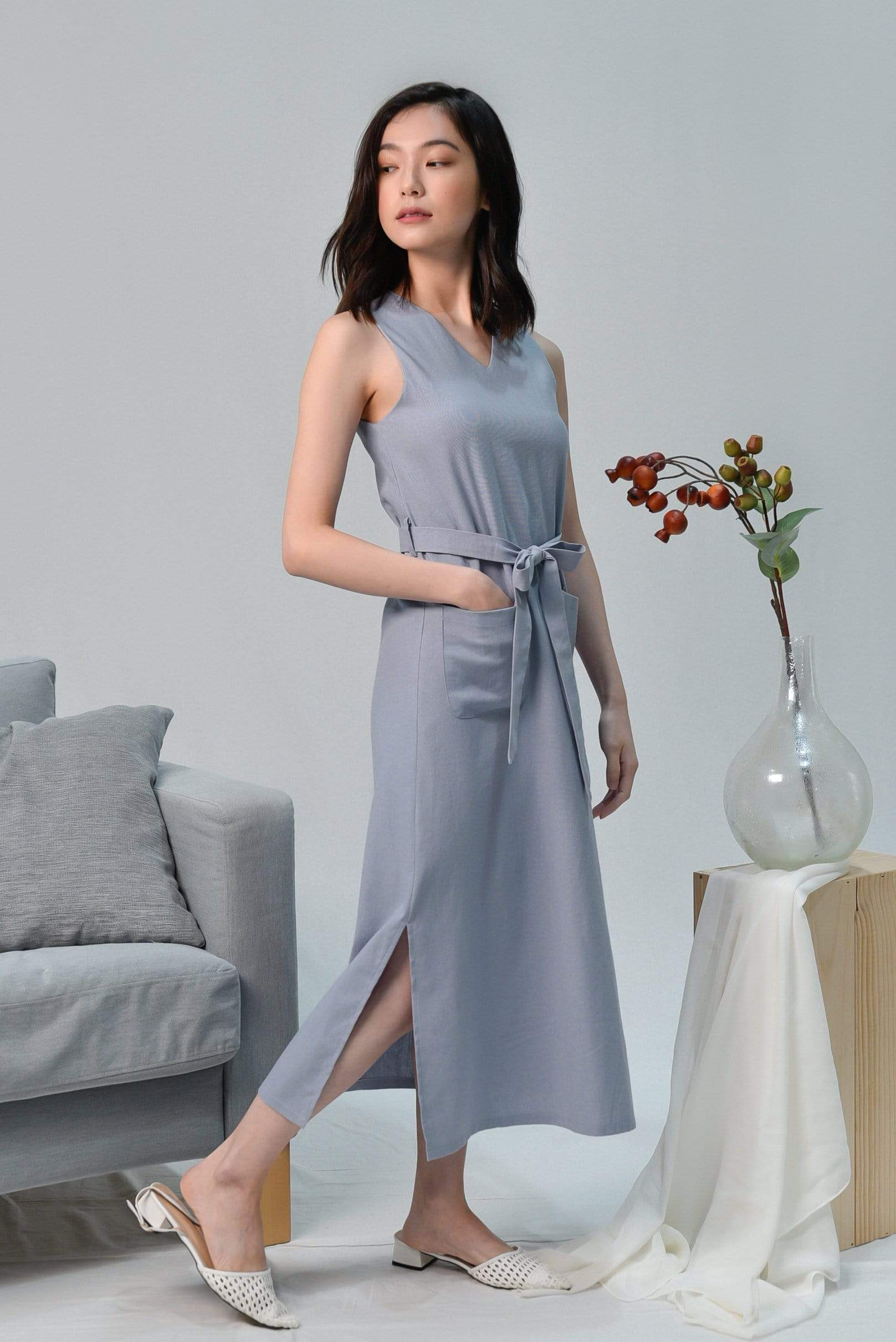 BRYNN LAVENDER V-NECK LINEN MIDI DRESS