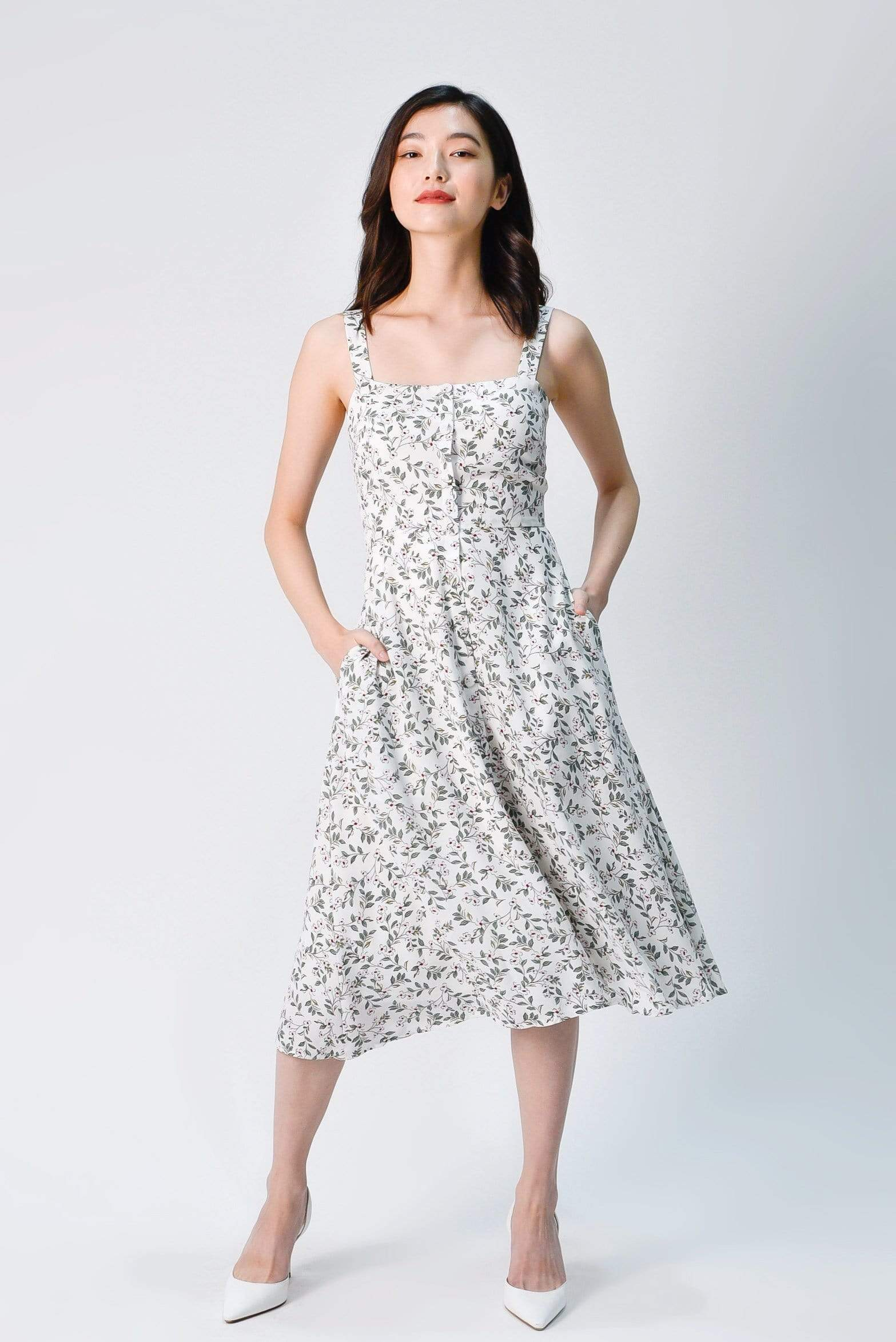 CALLA THICK-STRAP BUTTONED DRESS IN WHITE FLORAL