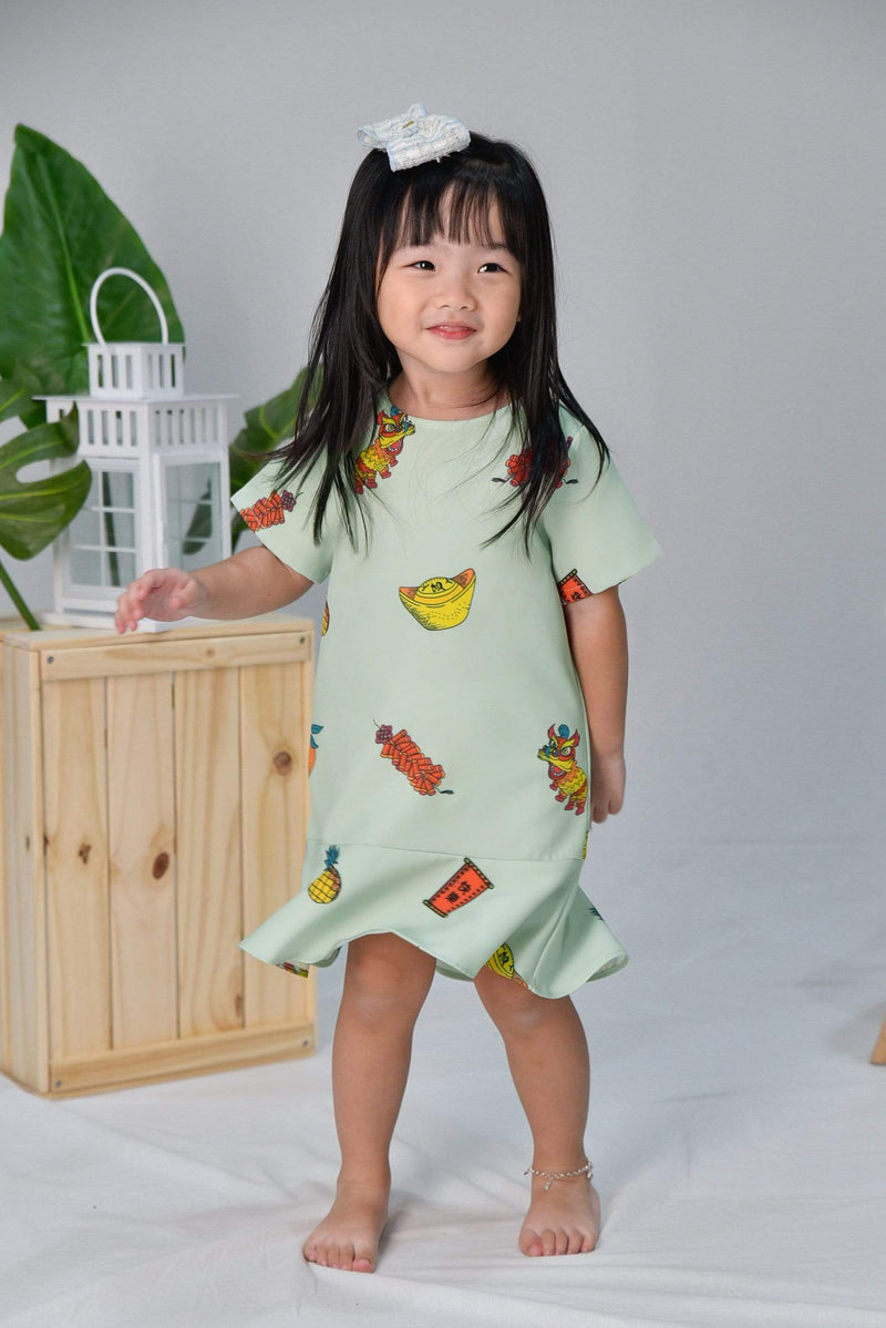 CNY KIDS SLEEVED DRESS IN PISTACHIO