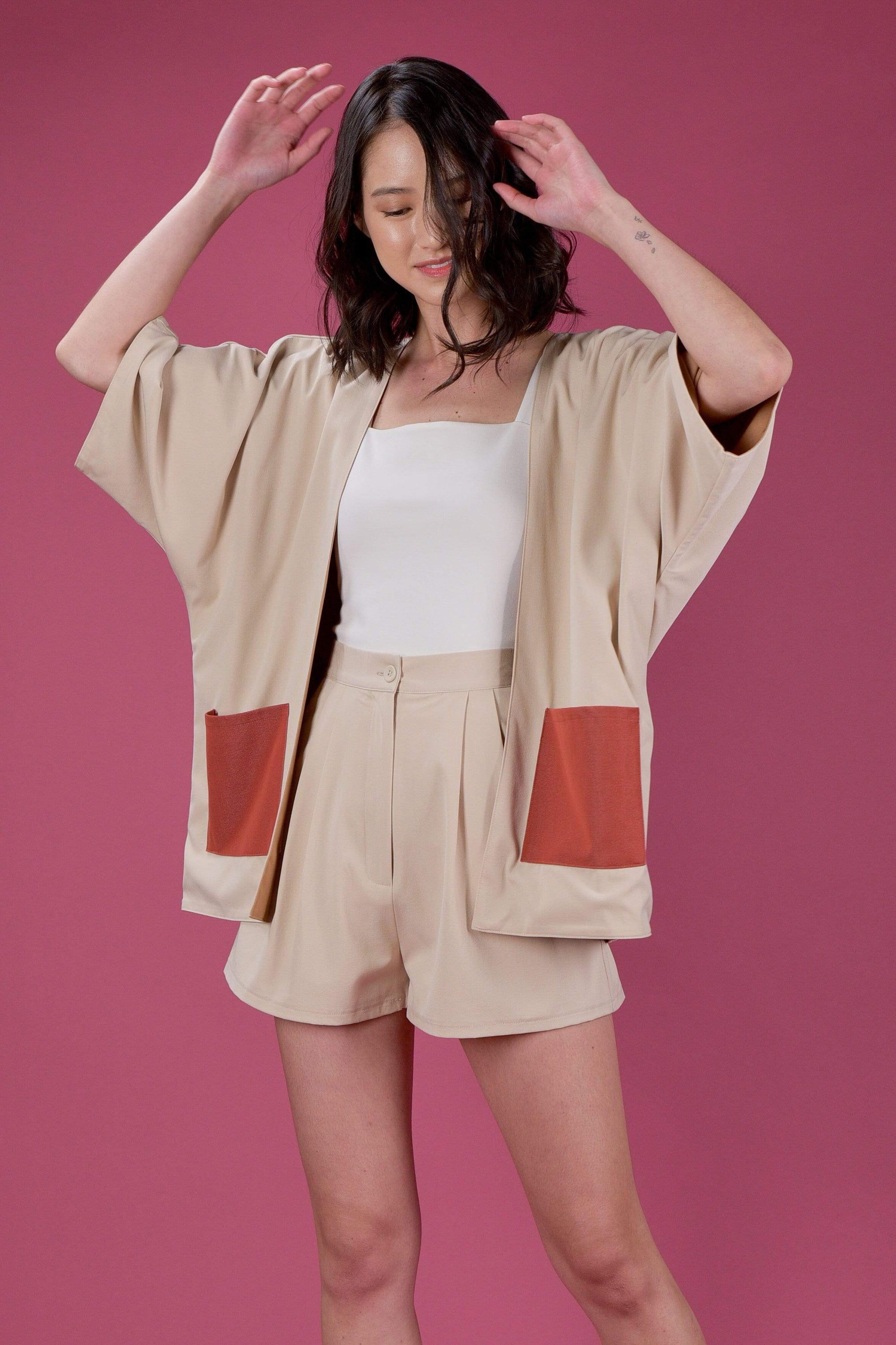 EVERYDAY REVERSIBLE KIMONO IN SAND