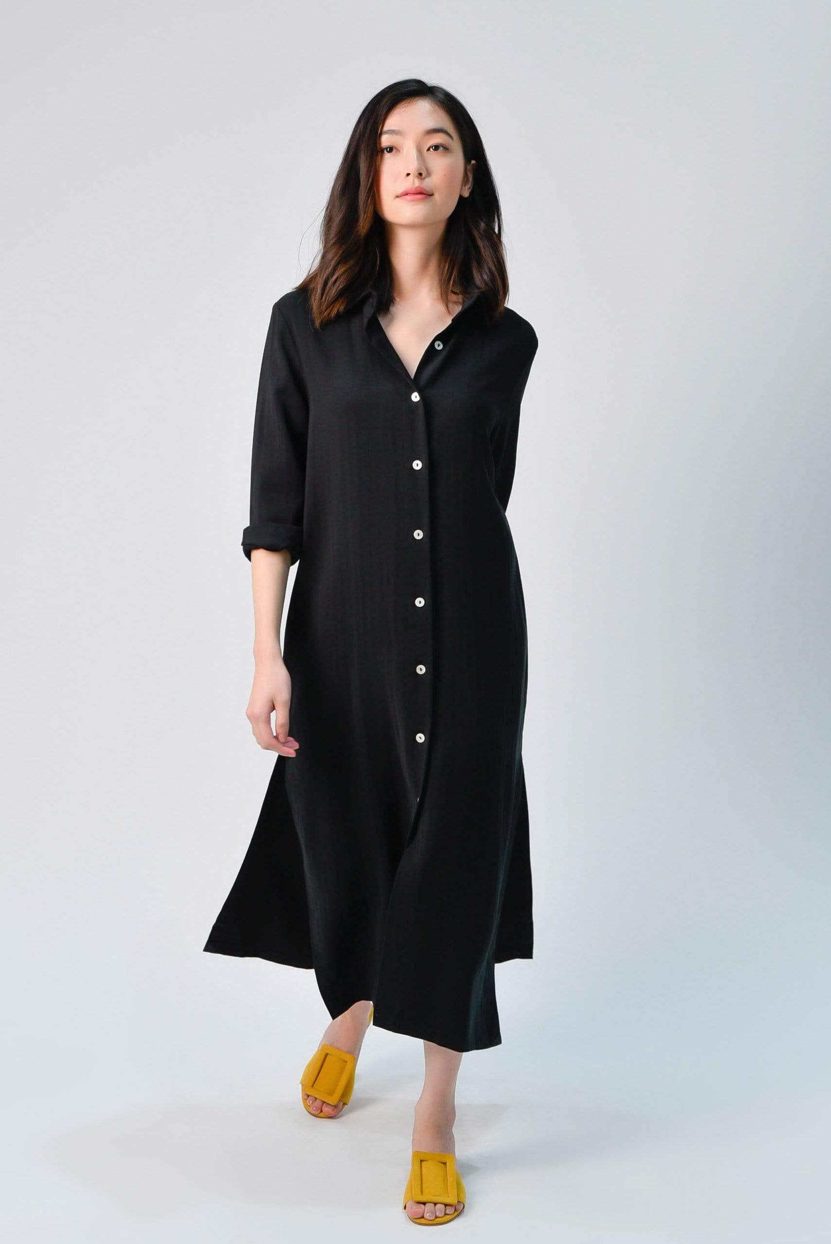 JIHYUN SIDE-SLIT MIDI SHIRTDRESS IN BLACK