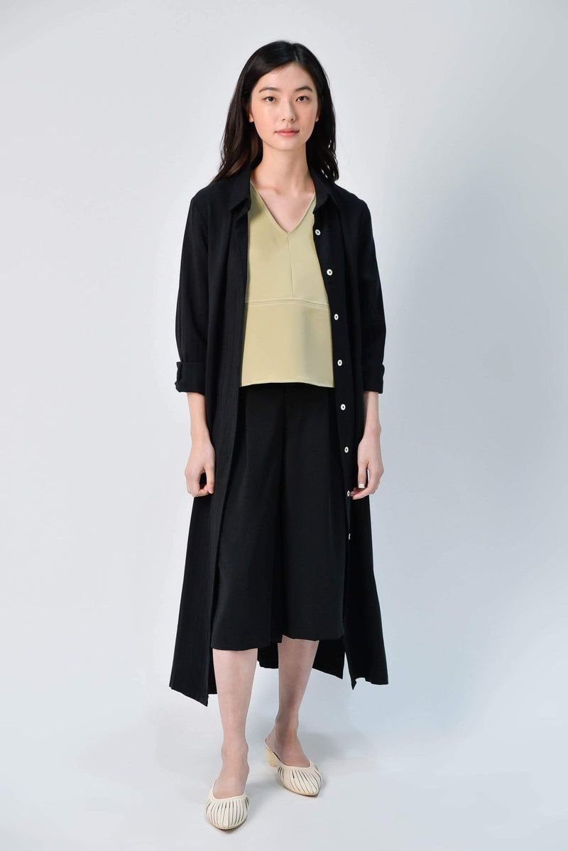 AWE Dresses JIHYUN SIDE-SLIT MIDI SHIRTDRESS IN BLACK
