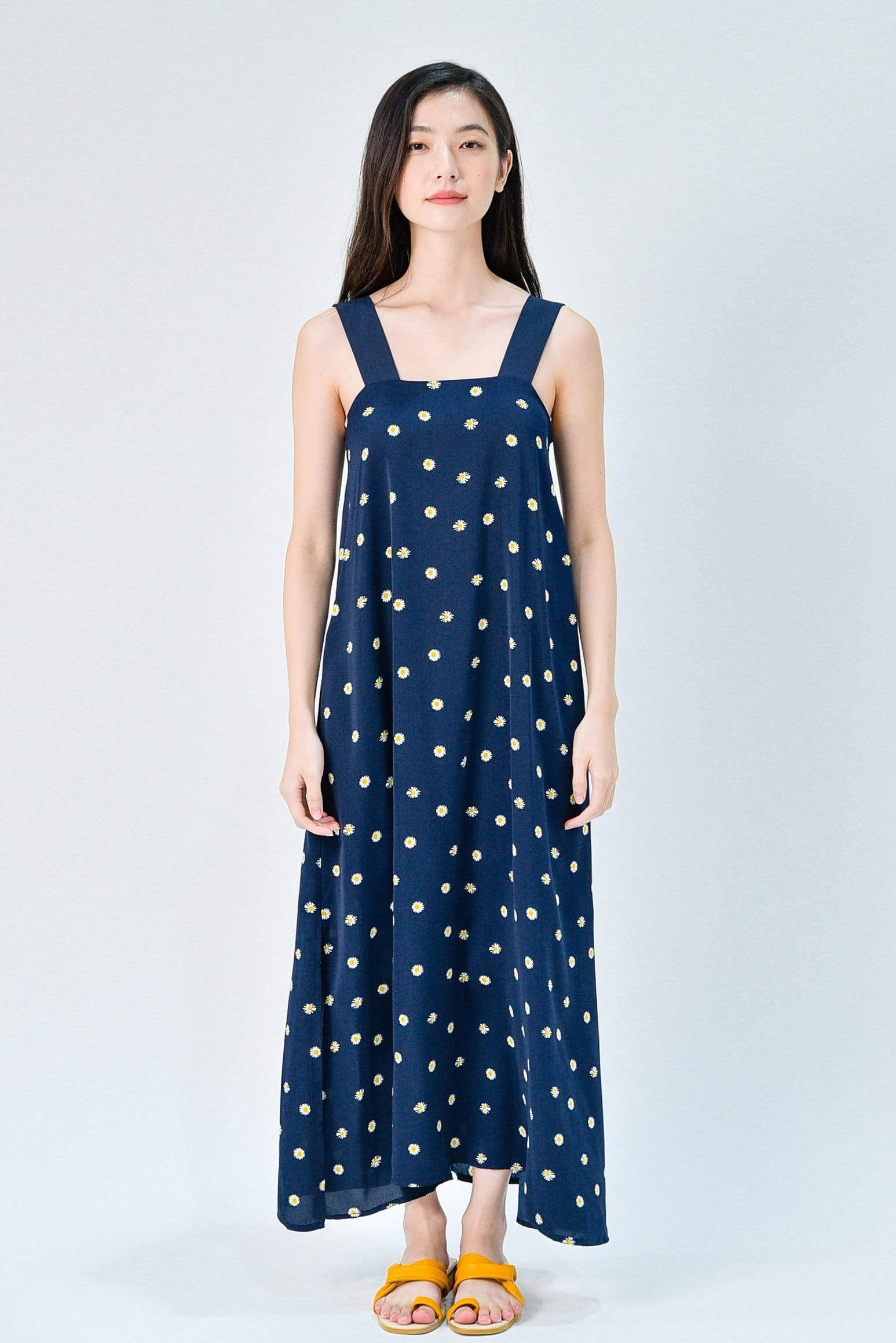 JILLIAN NAVY DAISY THICK STRAP MIDAXI DRESS