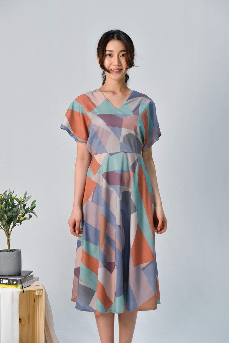 JUDITH MOSAIC SLEEVED DRESS IN SANDSTONE