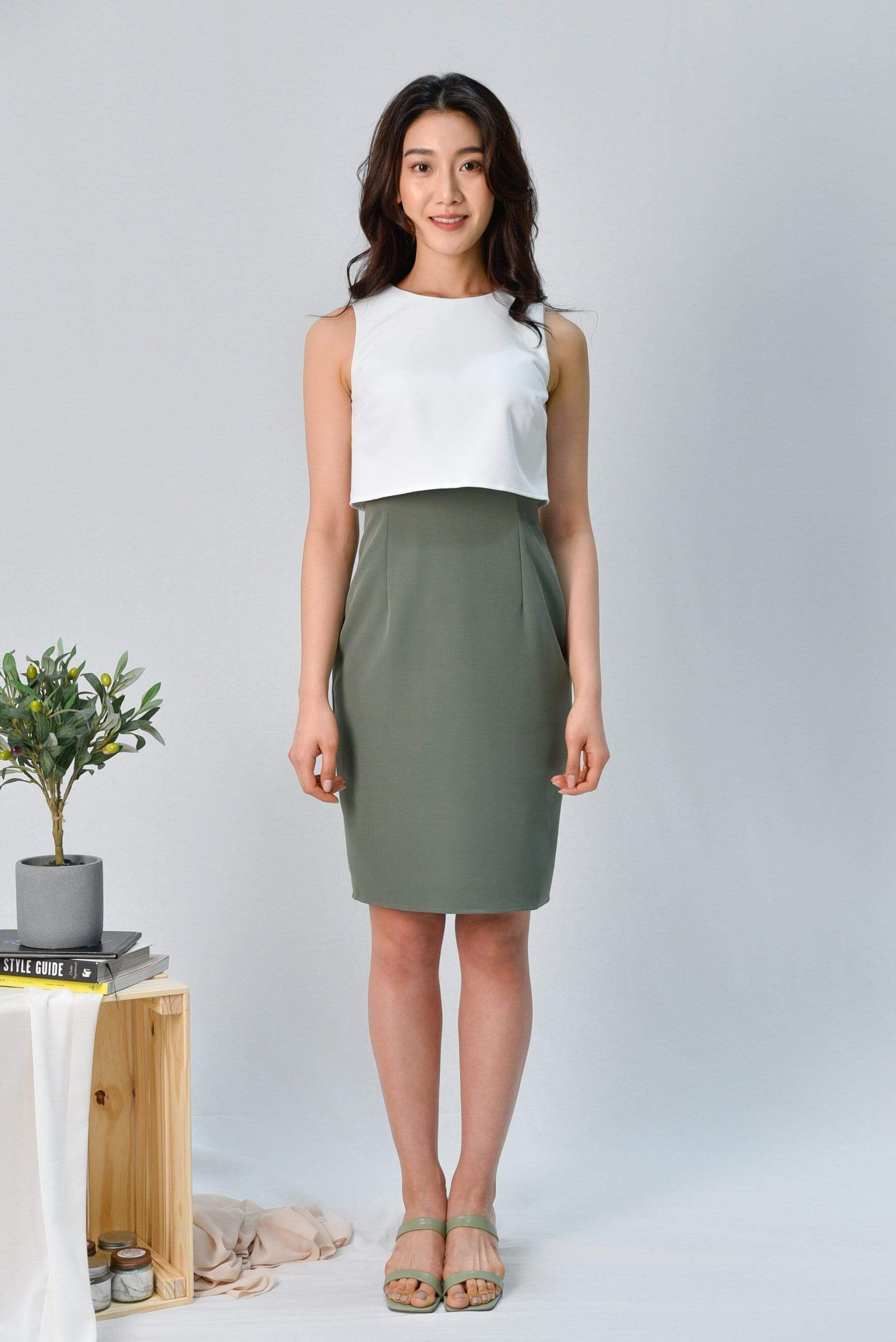 JULANDA WHITE/SAGE PENCIL DRESS