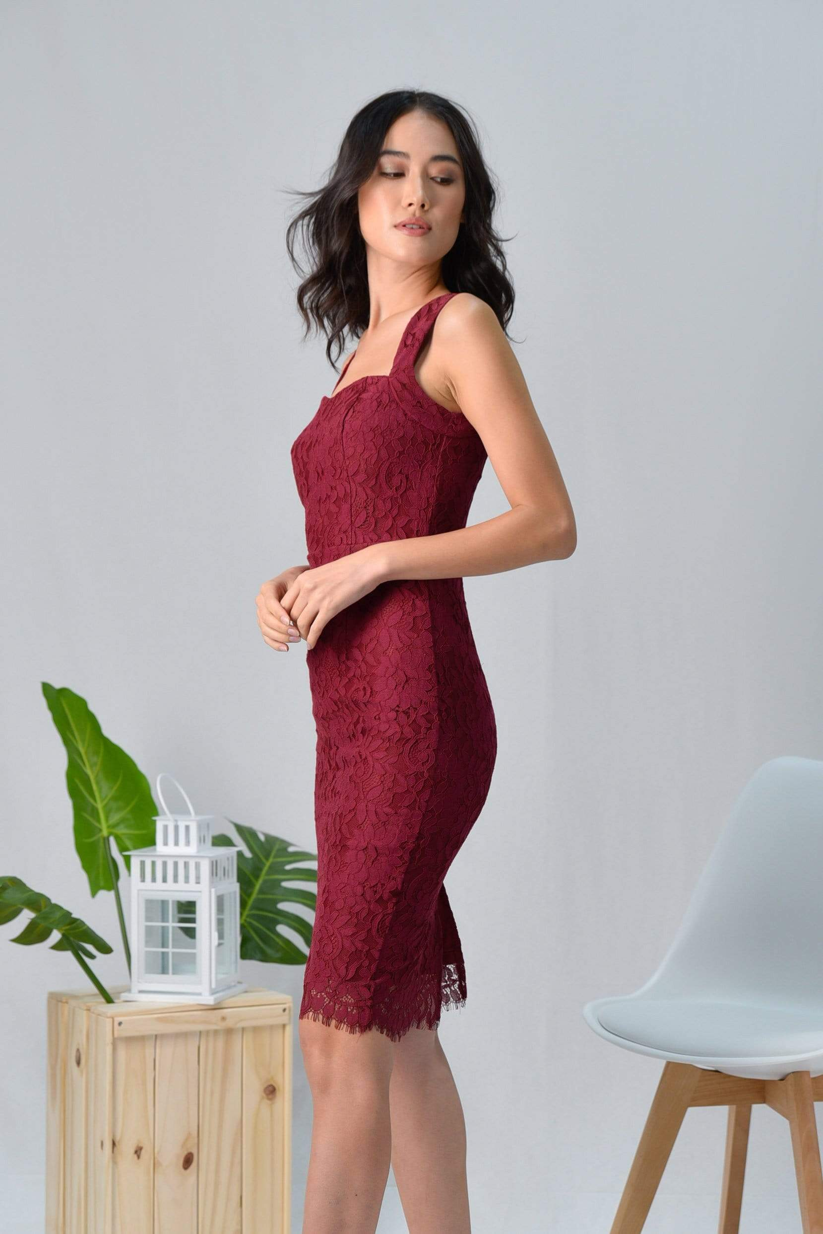 LYDIA WINE LACE SWEETHEART DRESS