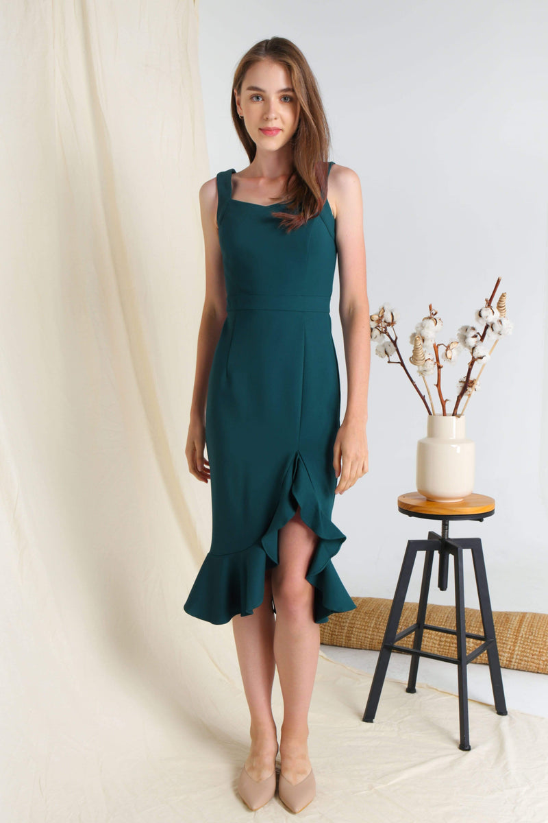 MEGHAN FOREST RUFFLE SLIT DRESS