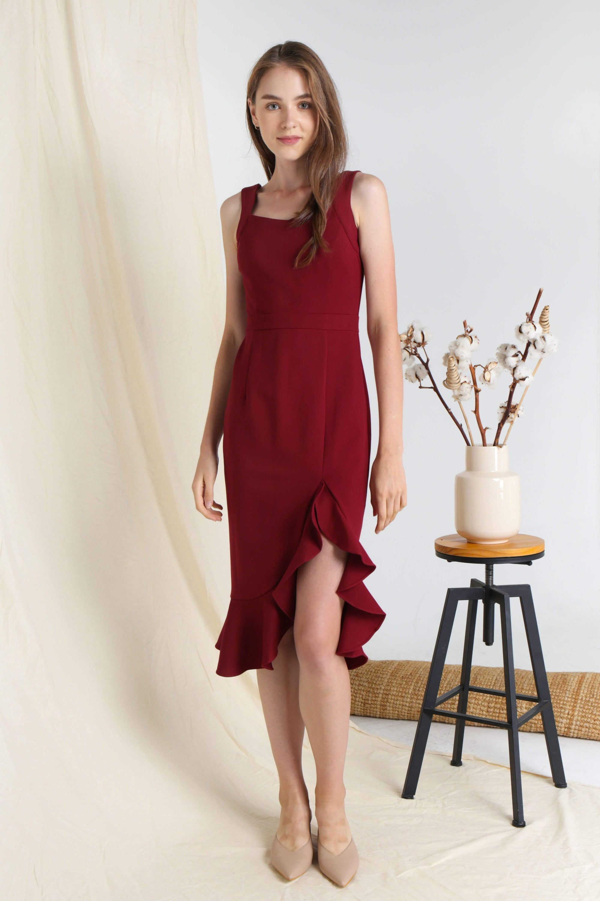 MEGHAN WINE RUFFLE SLIT DRESS