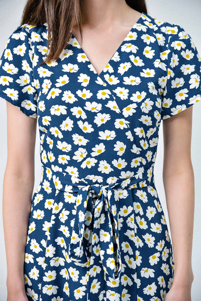 AWE Dresses RUMI NAVY DAISY FRONT-SLITS SLEVED DRESS