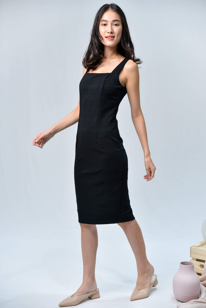 TESSA BLACK TEXTURED RIBBED DRESS
