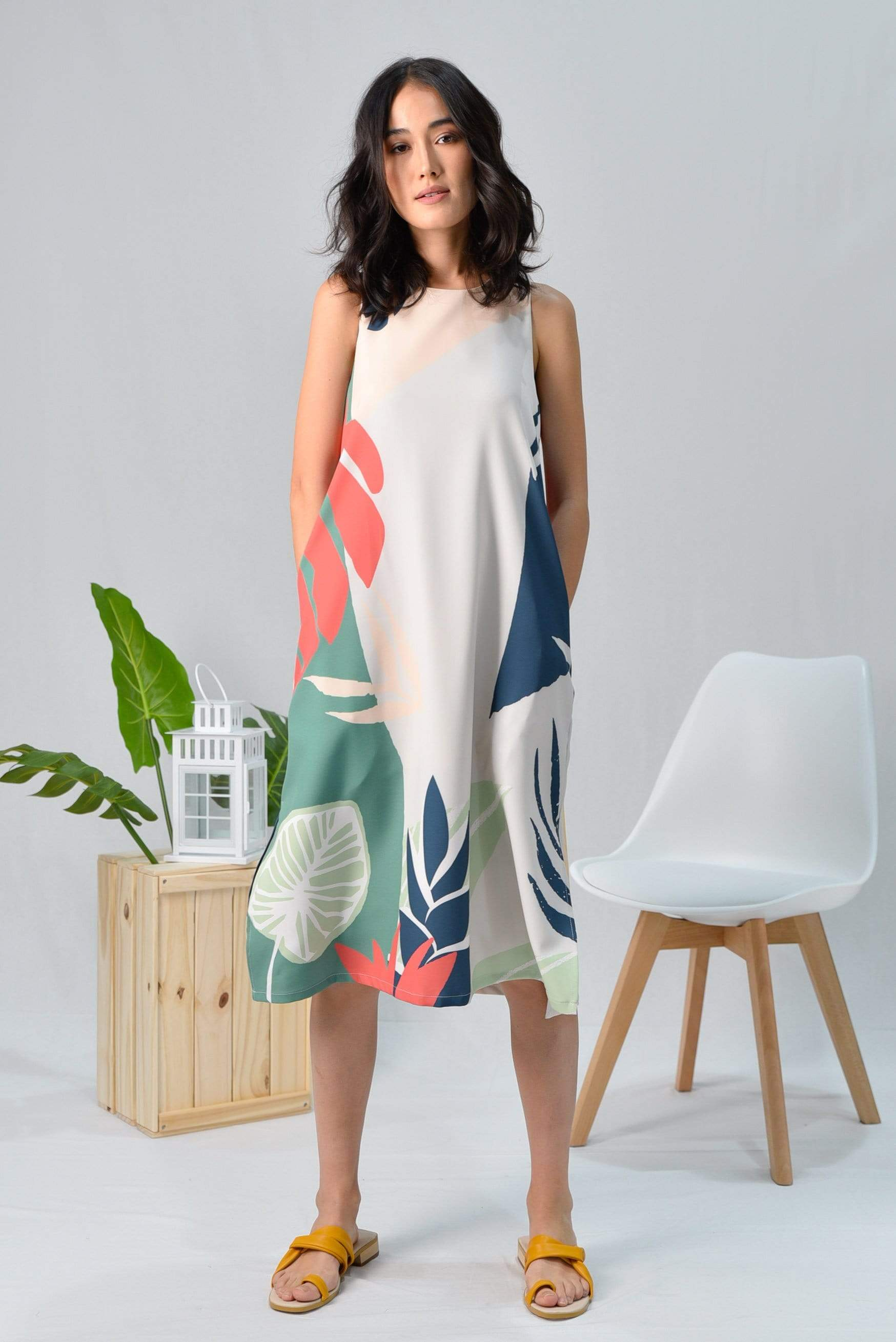 TROPICAL SLIT A-LINE MIDI DRESS IN MALDIVES
