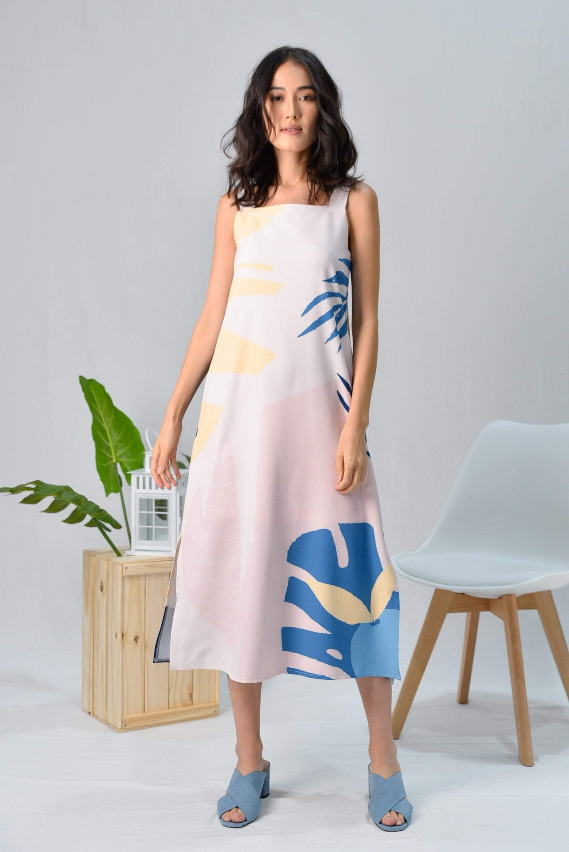 *RESTOCKED* TROPICAL TWO-WAY MIDI DRESS IN BORA BORA