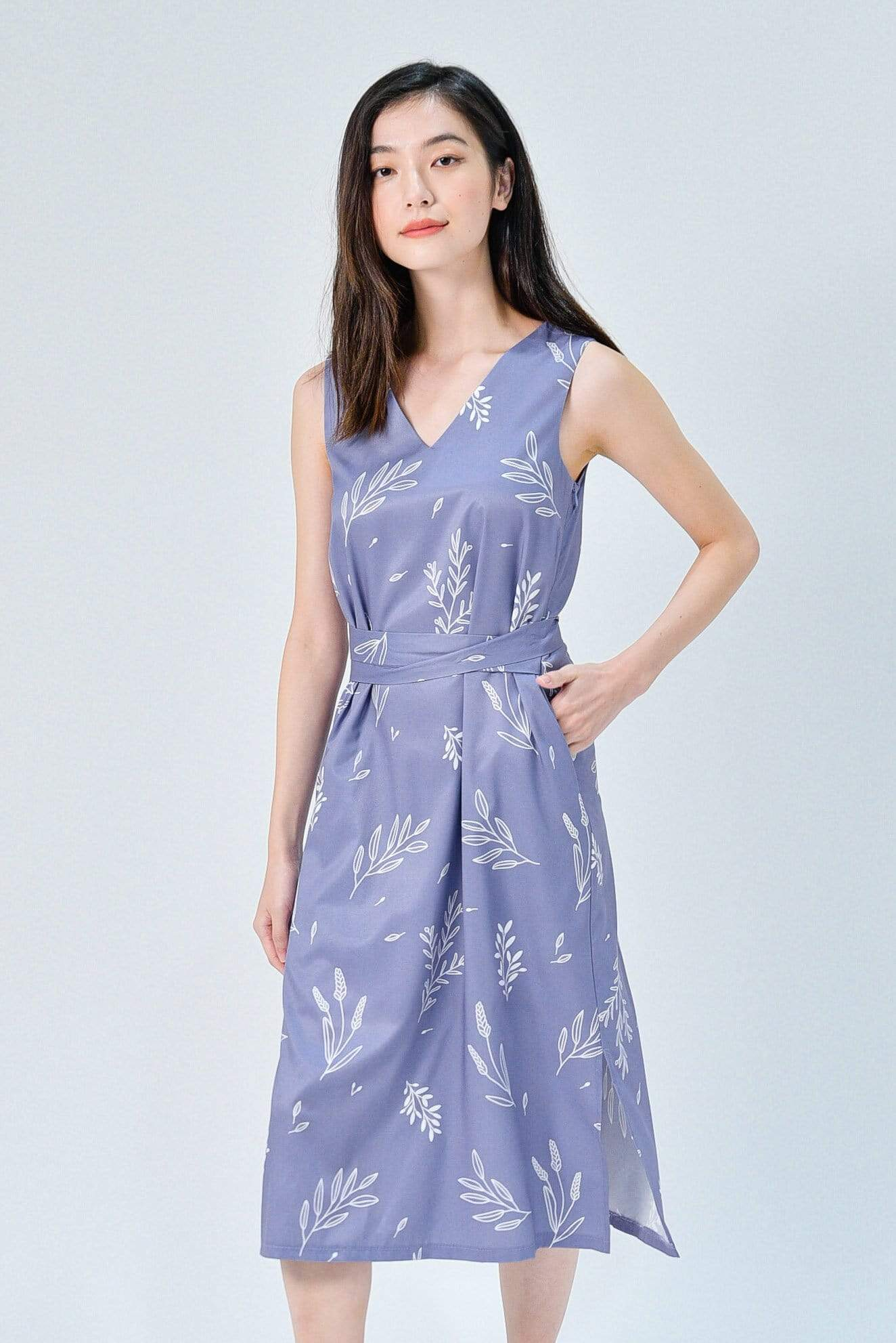 VIOLA LAVENDER FOLIAGE SLEEVELESS SASH DRESS