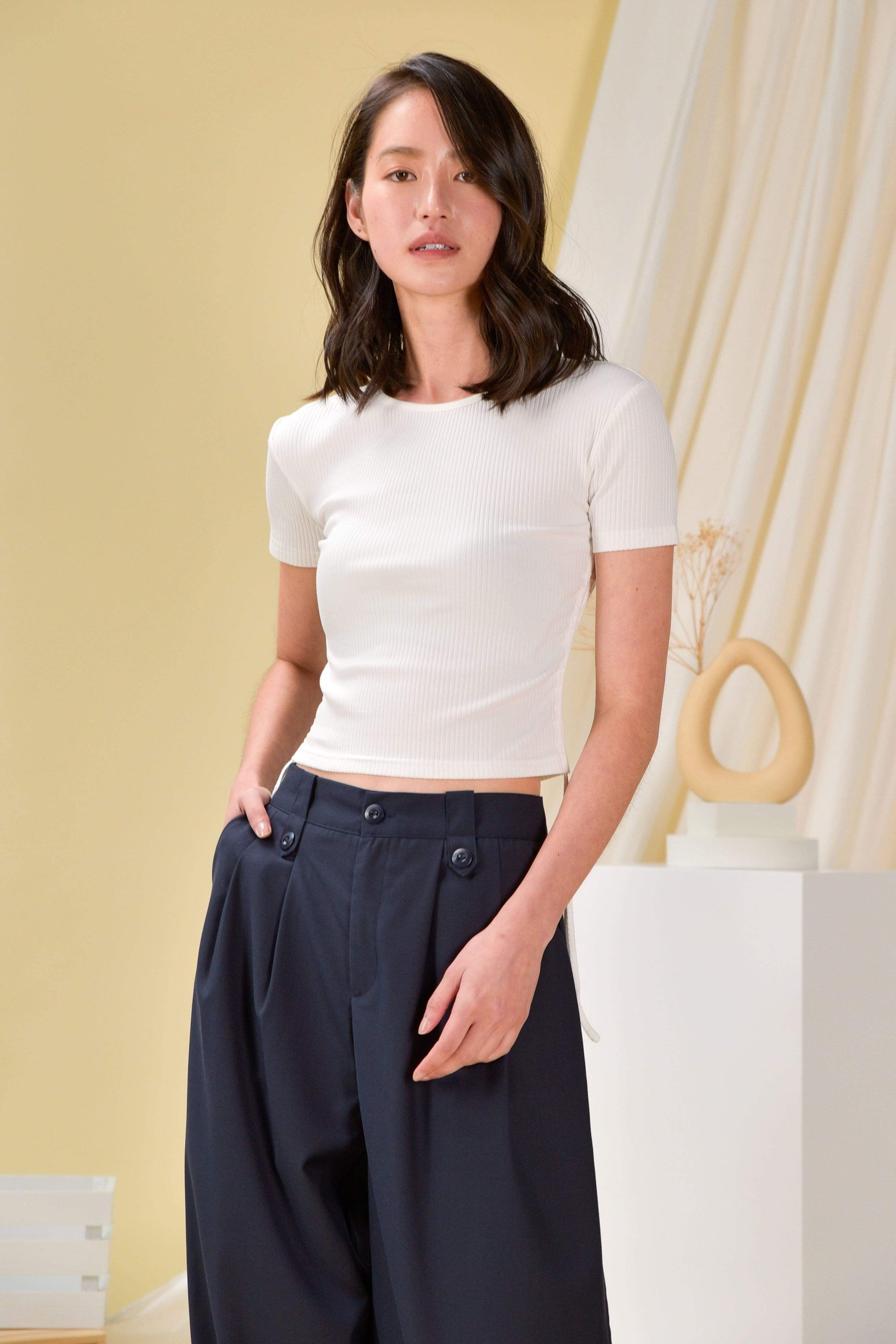 ANAYA RUCHED-SIDE TEE IN WHITE