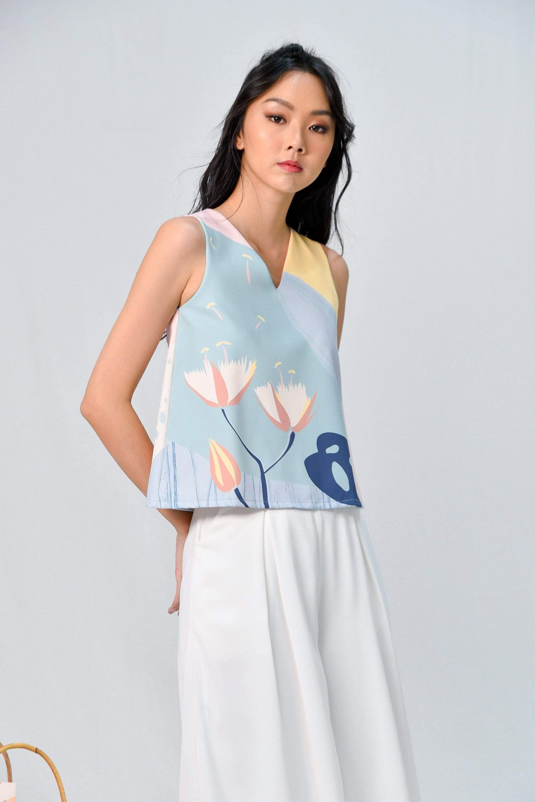 AWE Tops ARCADIA SLEEVELESS V-NECK TOP IN PURITY
