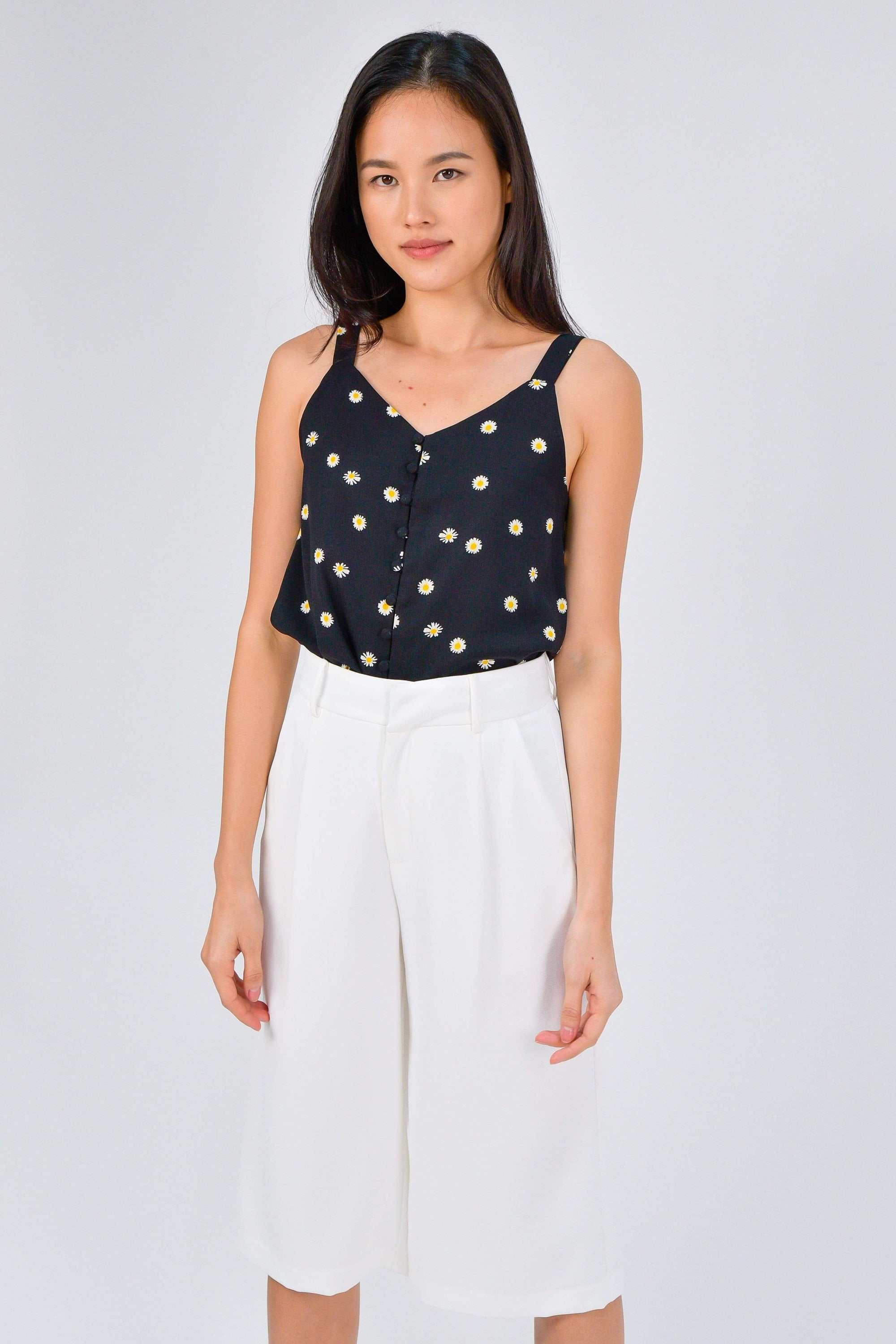 BROOKE BLACK DAISY BUTTON TOP