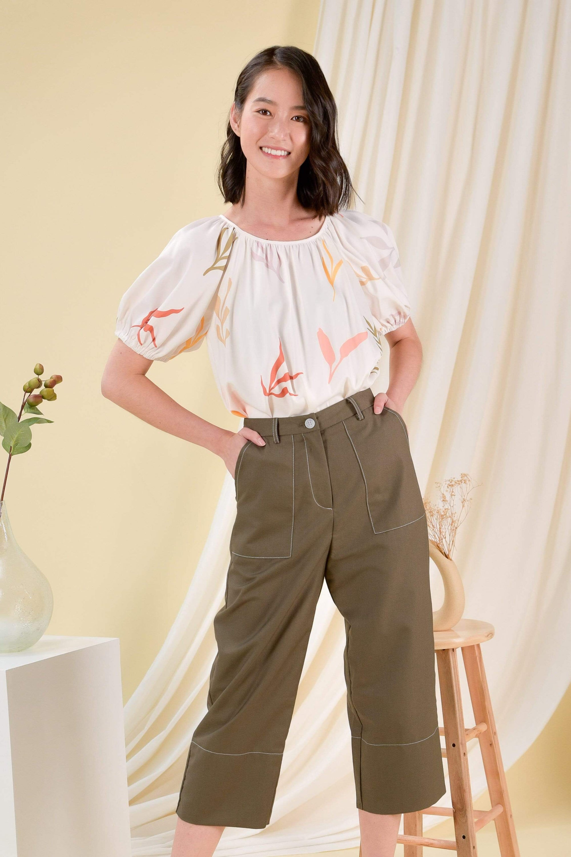 AWE Tops DAISY BLOOMS SLEEVED BLOUSE IN OFF-WHITE