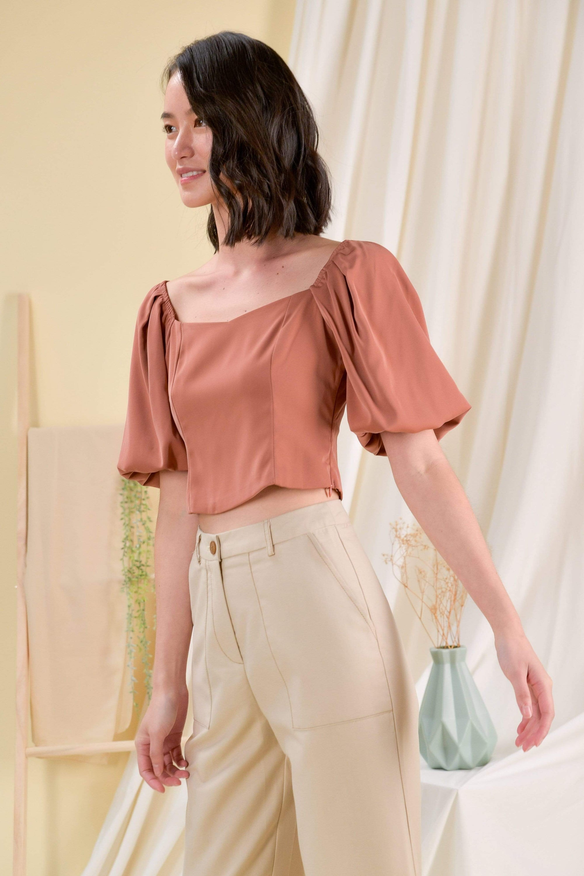 EVELYN PUFF-SLEEVE TOP IN CHESTNUT