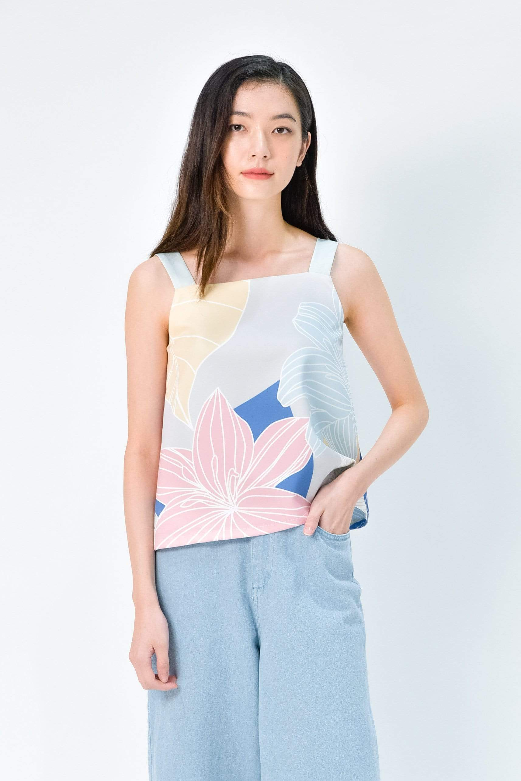 FAIRYTALE TWO-WAY TOP IN PASTEL