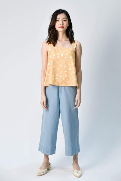 AWE Tops HANA YELLOW FLORAL KNOTTED TOP