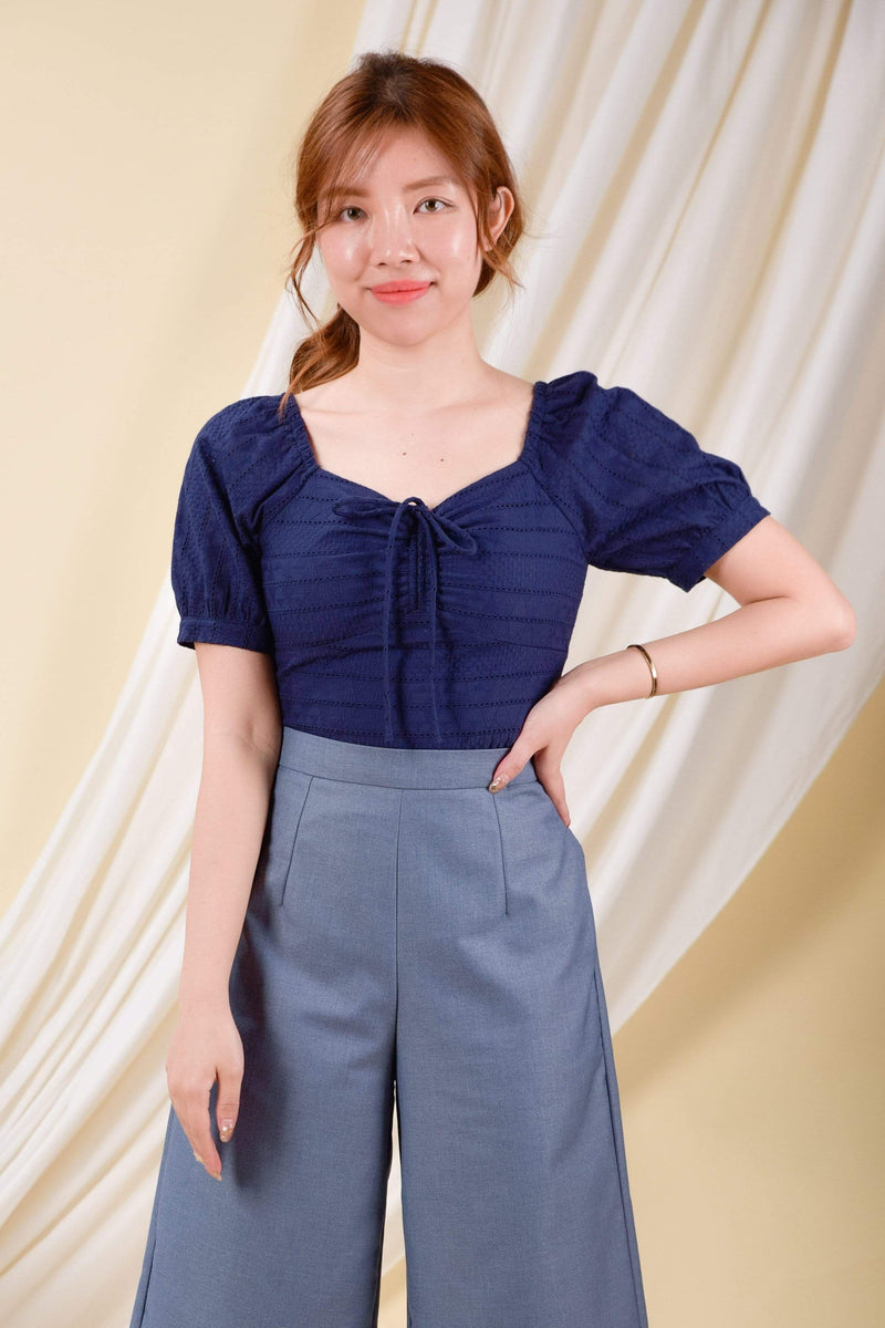 AWE Tops JANAE EYELET TOP IN NAVY