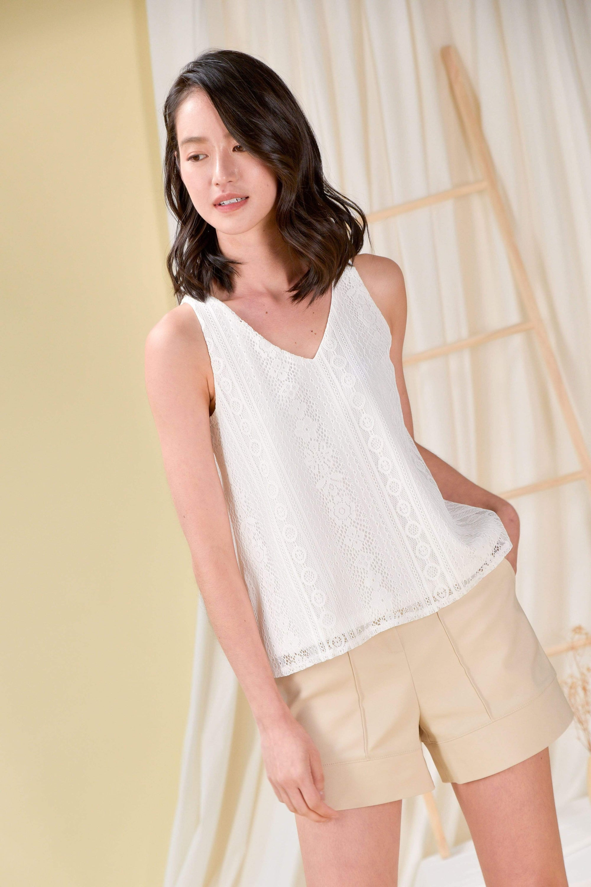 LACE TWO-WAY TANK TOP IN WHITE