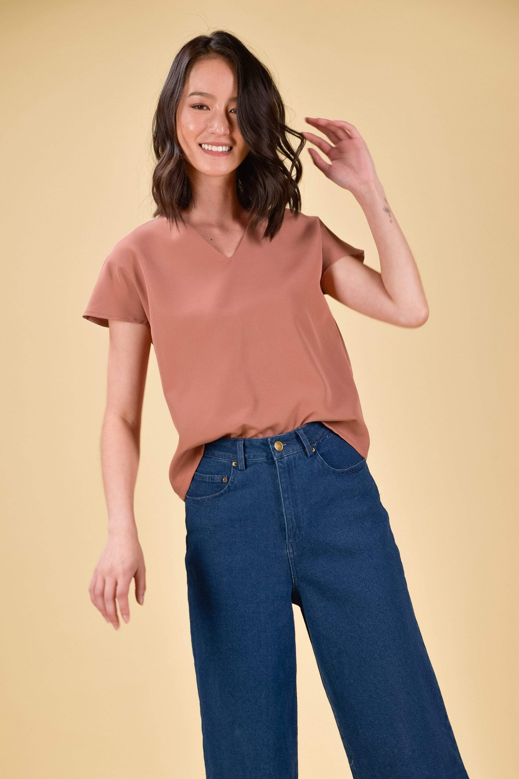 SHARON SLEEVED TOP IN CHESTNUT