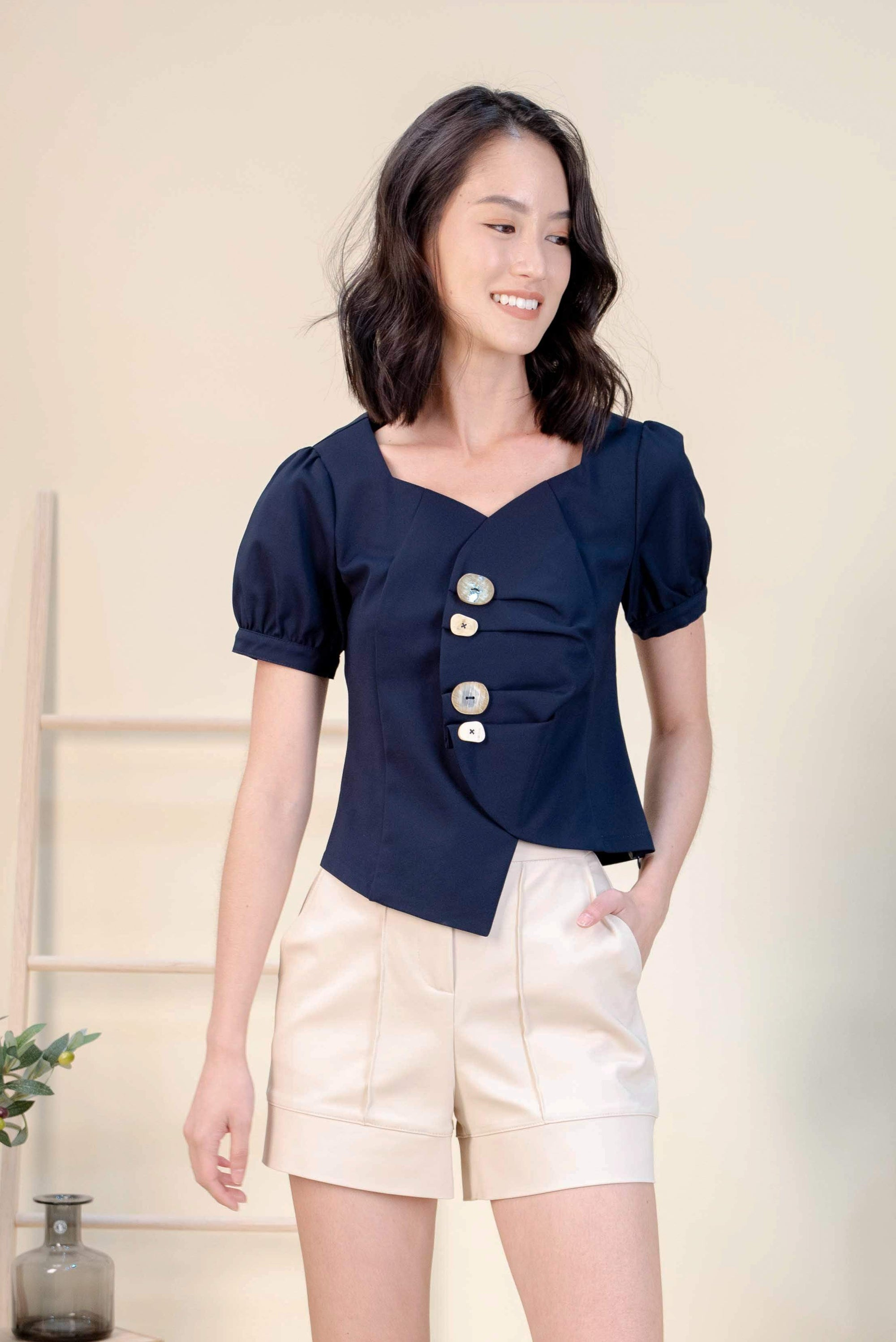 SHERLENE TOP IN NAVY