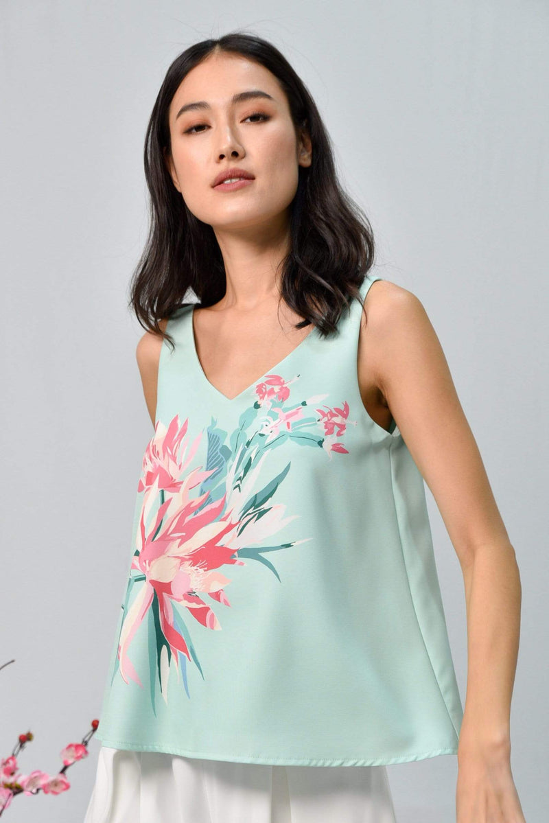 SPRING V-NECK TOP IN FRESH MINT