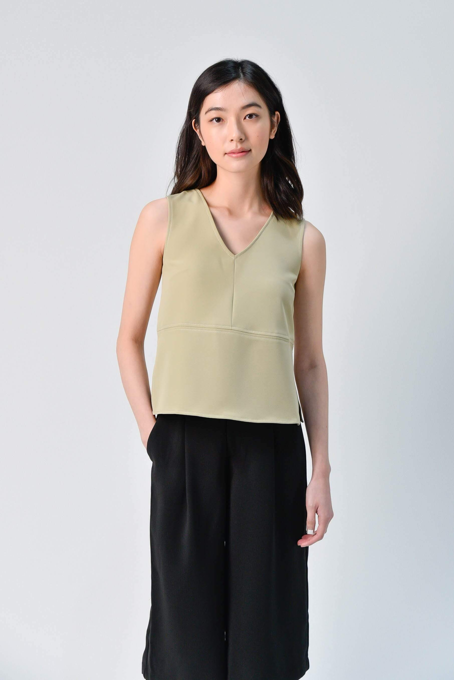 STITCHED SIDE-SLIT TOP IN LIGHT OLIVE