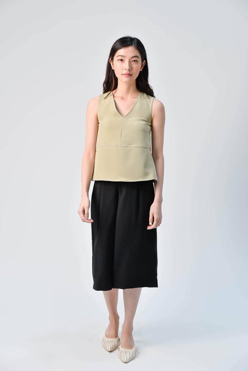 AWE Tops STITCHED SIDE-SLIT TOP IN LIGHT OLIVE