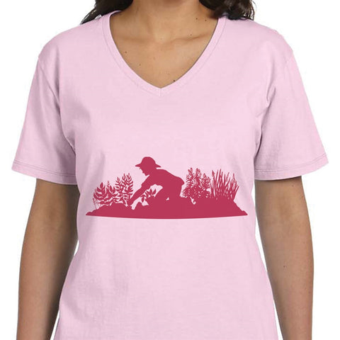 Digging in the Garden Ladies' T-Shirt