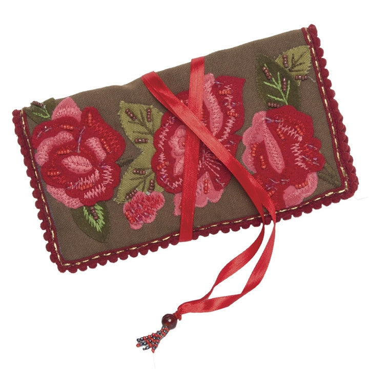 Red Roses Jewelry Roll
