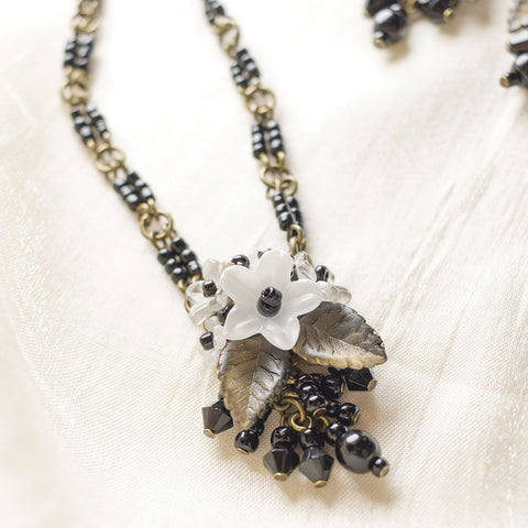 Black & White Posey Necklace