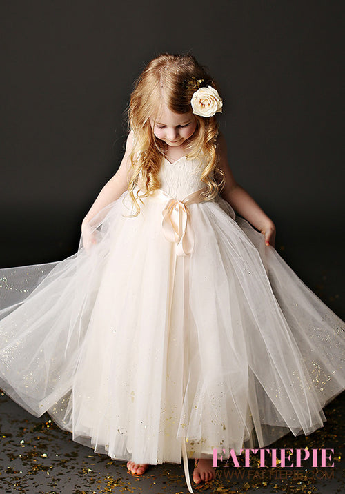 Ivory Lace Flower girl dresses - Fattiepie