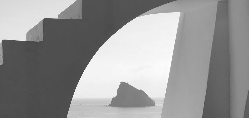 Chapter No. 2: Alejandra's Guide to the Aeolian Islands