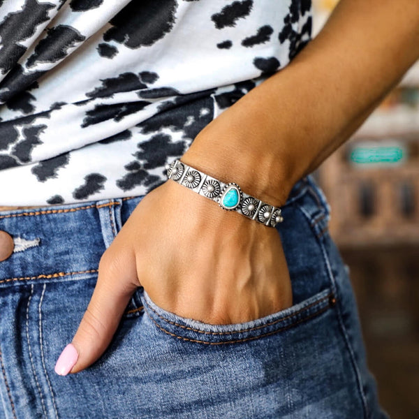 Single Stone Turquoise Cuff - The Lace Cactus
