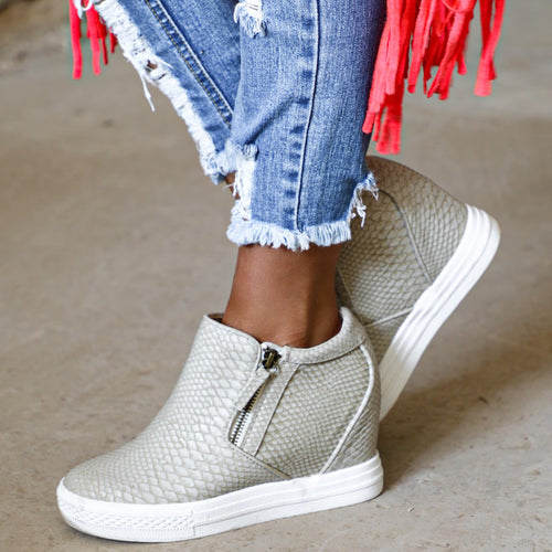 NR Timmibell Cream Snakeskin Wedge Sneaker - The Lace Cactus