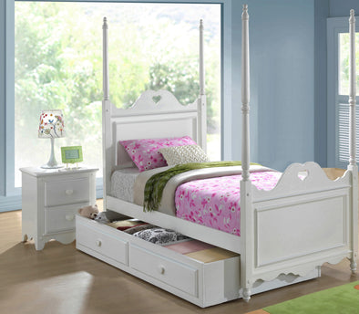Heart 4 Poster Bed